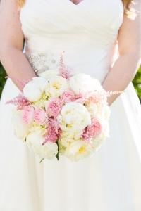 California-desination-beach-wedding-pink-flowers