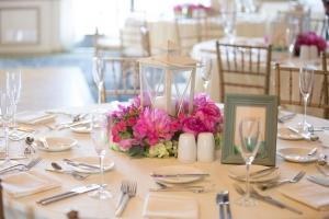California-desination-beach-wedding-reception-table
